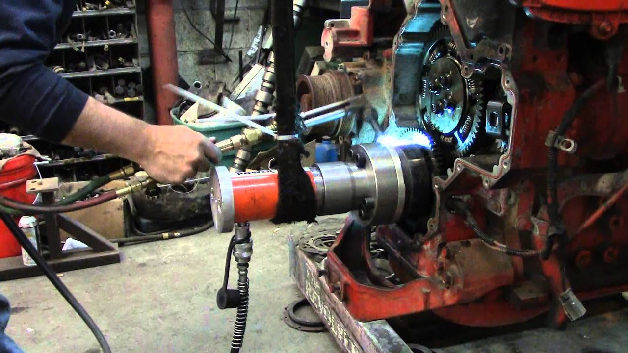 Removing ISX Crankshaft Adapter