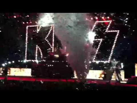 Kiss & Motley Crüe - The Tour 2012