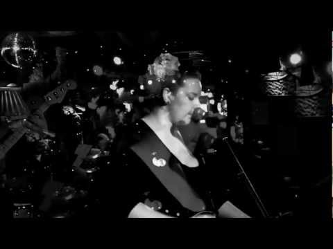 Alice Terry - These Troubled Seas live at Tattlers in Sydney