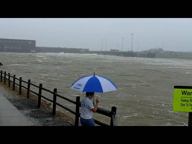Cumberland River Dam - Nashville Flood 2010