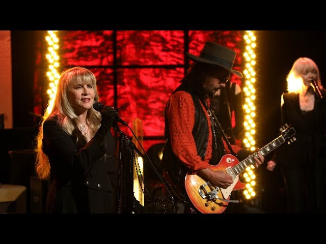 """For the first time on Ellen, Fleetwood Mac took the stage to perform their classic, """"The Chain."""""""