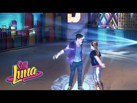Nico y Jim cantan Invisibles | Momento Musical (con letra) | Soy Luna