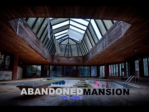 EXPLORING ABANDONED 70s-80s MANSION w/ HUGE INDOOR TENNIS COURT!