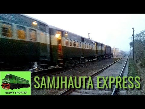 Pakistan Railways Samjhauta Express leading by GRU-20 Locomotive.