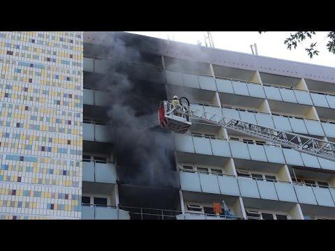 Berlin Friedrichsfelde: Großbrand in Hochhaus