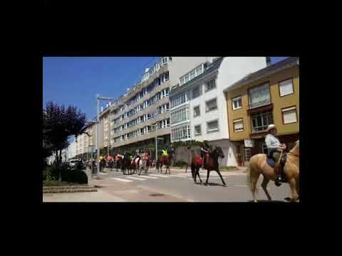 Cientos de jinetes en la ruta equestre hasta el Monte Castelo en Burela