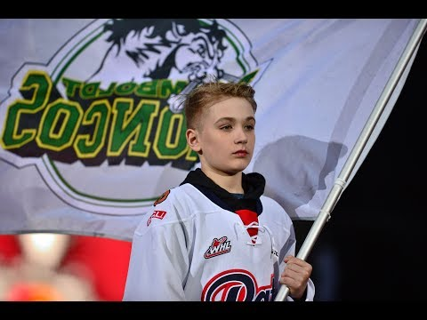 Humboldt Broncos families touched by Memorial Cup tribute