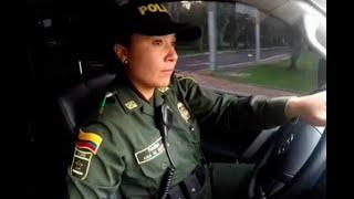 Una mujer al volante: patrullera que conduce el carro del director de la Policía | Noticias Caracol