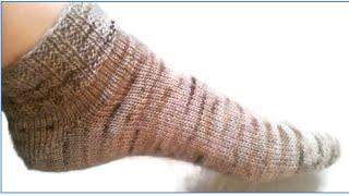 Loom Knit Broken Rib Toe Up Sock Beginning to End