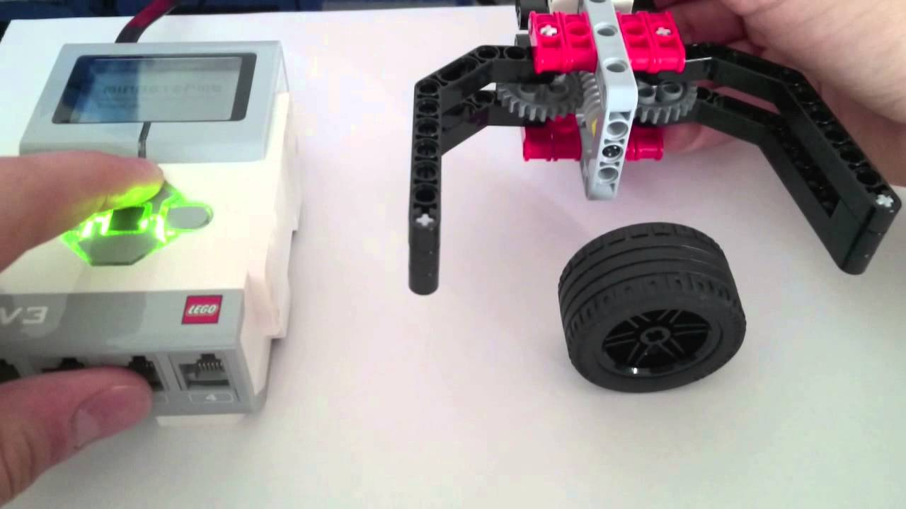 Simplest EV3 Robot Claw/Gripper: 16 Steps