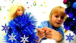 Украшаем новогоднюю елку с Барби и подружкой Машей. Приключения Барби - Мультики для девочек