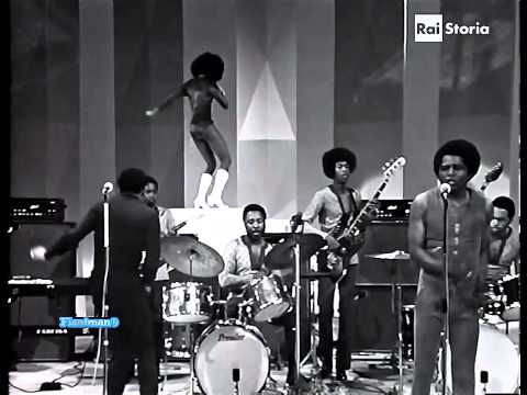 ♫ James Brown ♪ Sex Machine (Italian TV Show 1971) ♫ Video & Audio Restored HD