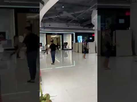 #Thailand's special forces are preparing to storm shopping center in #Korat