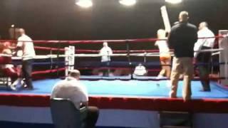 Boxkampf mit Hootersgirl als Nummerngirl