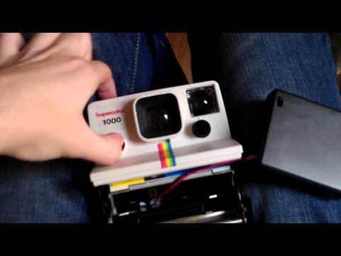 polaroid supercolor 1000 external battery youtube. Black Bedroom Furniture Sets. Home Design Ideas