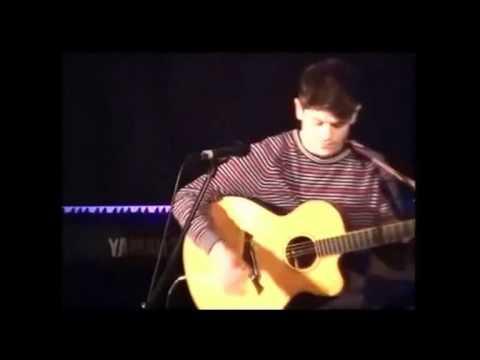 Iwan Rheon - Two Candles (Live)