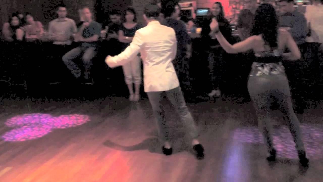 Страстный домашний танец видео 1