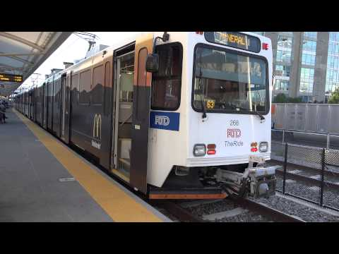 A QUICK OBSERVATION OF DENVER RTD REGIONAL TRANSPORTATION DISTRICT LIGHT RAIL TRAINS