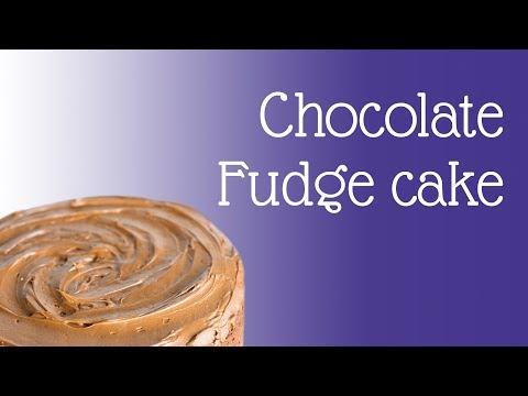 Chocolate Fudge Cake (EASY!)