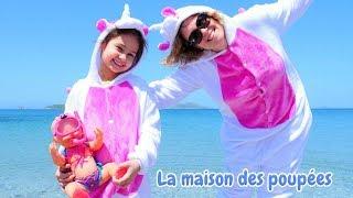 Vidéo drôle en français. La famille de licornes. Jeux à la mer