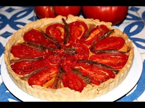 tarte-à-la-tomate,-aux-amandes,-et-aux-anchois