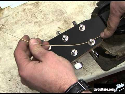 Changer les cordes de sa guitare folk - par Didier Duboscq