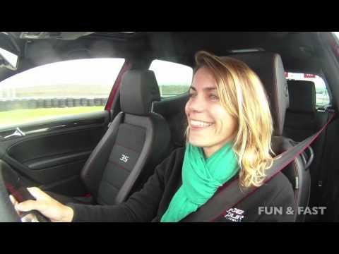 Test 2012 VW Beetle 2.0 Turbo vs. VW Golf GTI 35 Aniversario.
