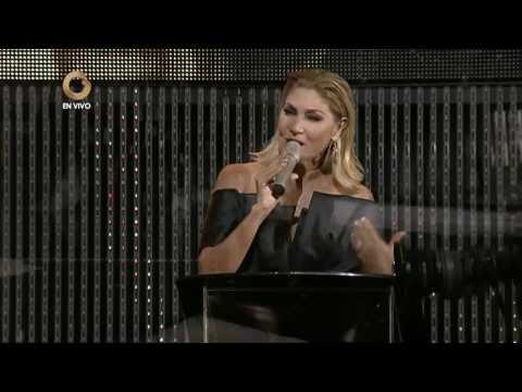 Derroche de glamour y brillo en el desfile en traje de gala del Miss Earth Venezuela