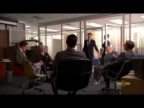 Christina Hendricks in Mad Men s04e01