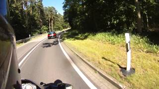 Audi S2(800PS) vs Kawasaki ZX12R(178PS)
