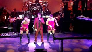JOHN BARROWMAN LIVE 2010, MAN I FEEL LIKE A WOMAN