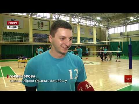 Zaxid.Net: Волейболісти львівських «Кажанів» і їхній тренер до...