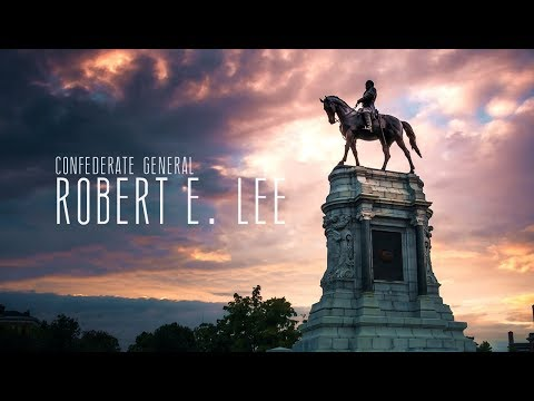 General Robert E. Lee statue on Richmond's Monument Avenue // Time-lapse