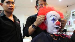 Repeat youtube video maquillaje de halloween payaso diabolico it (Pennywise) de   Stephen King