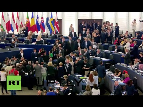 France: Tsipras given standing ovation by supporters in European Parliament