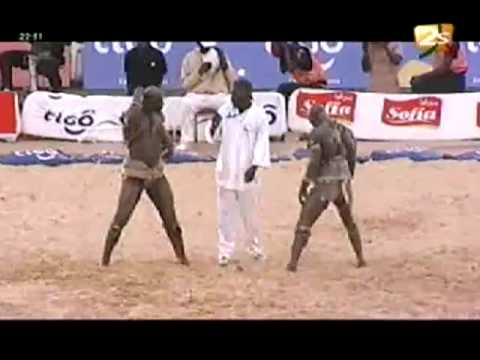 Balla Gaye 2 bat Modou Lo - Bantamba - 07 Août 2012 (Archive)