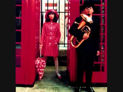 Pizzicato 5   World Is Spinning At 45rpm
