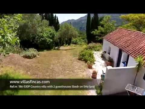 Country Villa with 2 guesthouses in Casares for sale