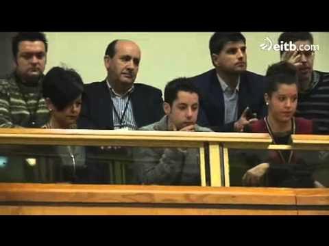 Iñigo Urkullu, arropado por su familia en la sesión de investidura