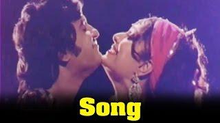 Allauddinum Albhutha Vilakkum Movie : Pattadai Thootada Song