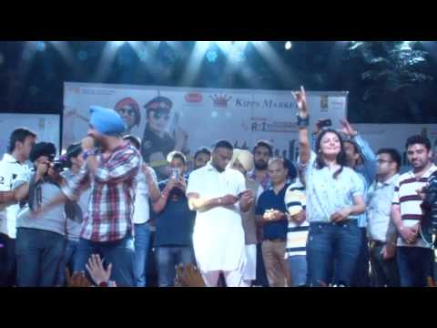 Shoulder Chak Chak Ke | Jatt And Juliet 2 Promotion - Bonn Group Ludhiana
