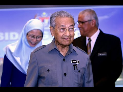 Tun M concludes press conference with cheeky response