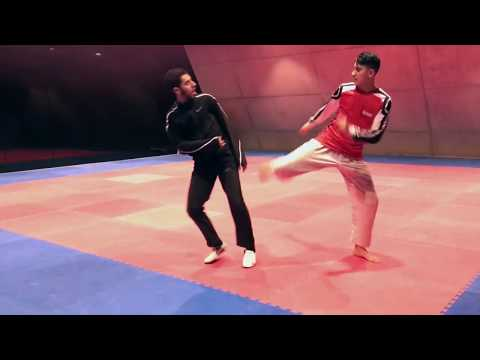Taekwondo warming-up : Badr and Jaouad light sparring (TeamAchab)