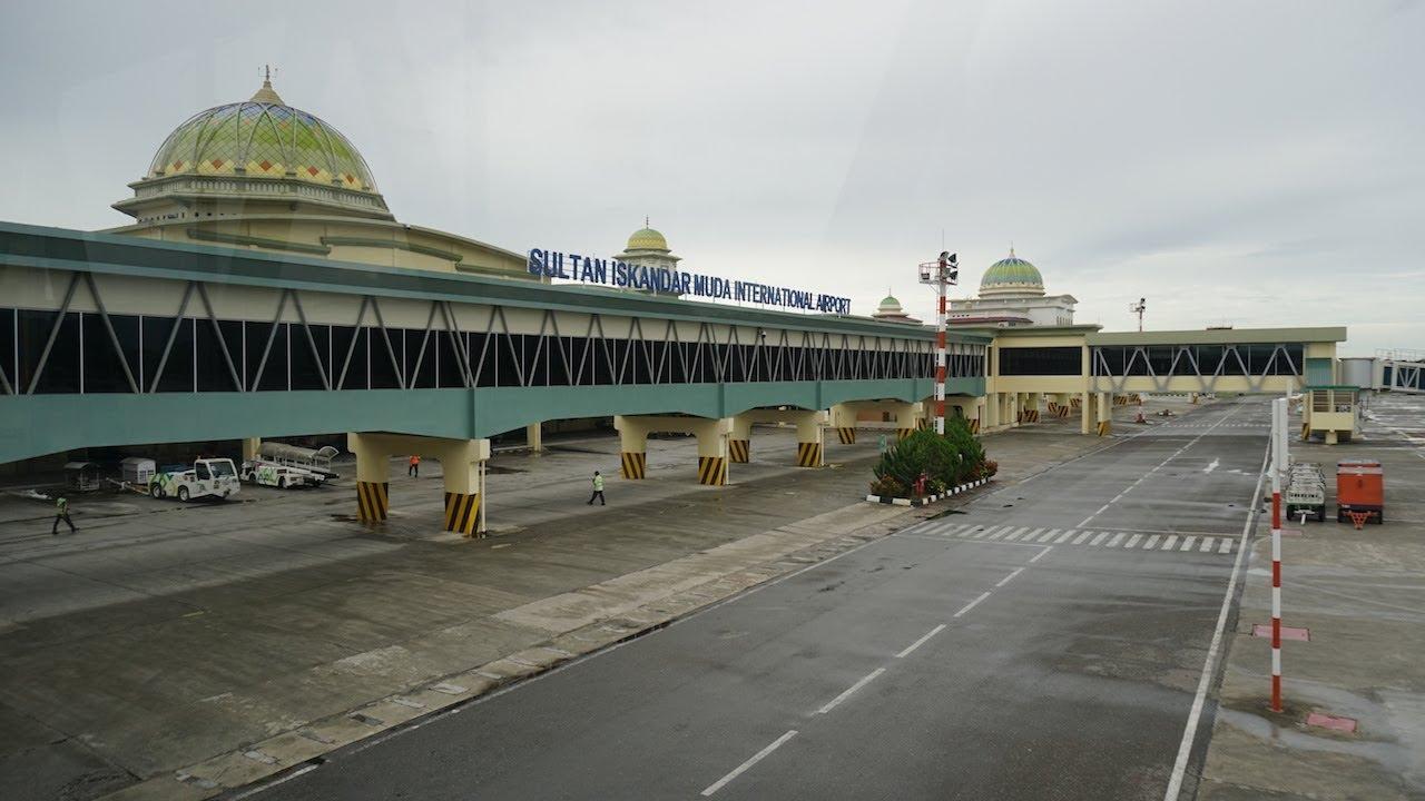 Bandara Sultan Iskandar Muda Banda Aceh Sumatra Indonesia Btj Youtube