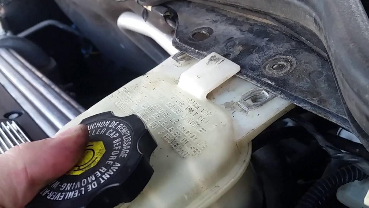 Replacing Brake Fluid Level Sensor Chevy Cobalt / Saturn ...