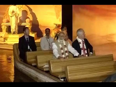 Delhi: PM Narendra Modi and Australian PM Turnbull Malcolm take boat ride at Akshardham te