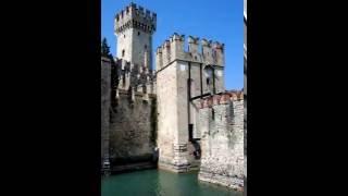 Старинные замки.(Это видео создано в редакторе слайд-шоу YouTube: http://www.youtube.com/upload., 2016-06-29T04:01:30.000Z)