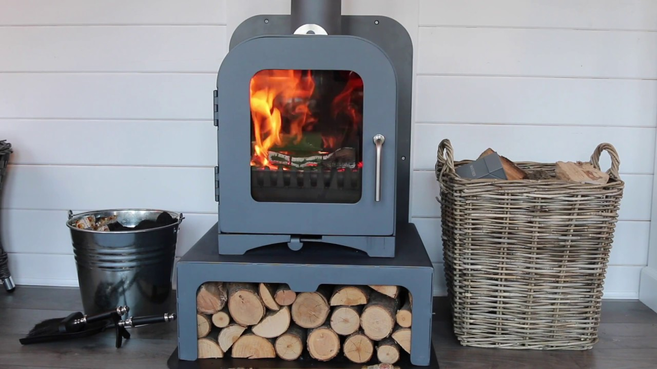 how to light a wood burning stove youtube. Black Bedroom Furniture Sets. Home Design Ideas
