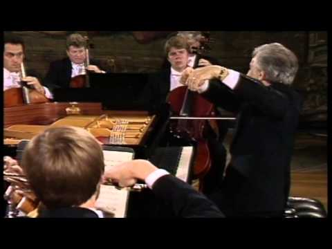 Vladimir Ashkenazy - W.A. Mozart Piano Concerto No.12 in A Major