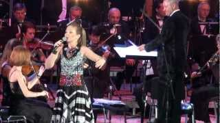 Марина Девятова и симф. оркестр. А он мне нравится.